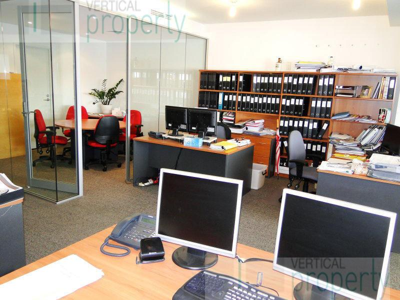 Flexible offices available from 1 to 2 people